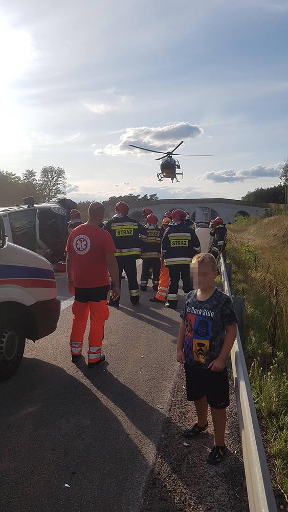 Droga do Zielonej Góry jest zablokowana. – Na obecną chwilę wiadomo, że doszło do zderzenia dwóch pojazdów – mówi podkom. Maciej Kimet z zespołu prasowego