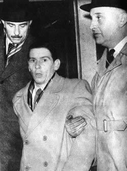 Skazany za rzekome zabójstwo rodzinyTimothy Evans w 1945 r. został uznany winnym zabójstwa swojej żony i córki w londyńskim mieszkaniu przy Notting Hill.