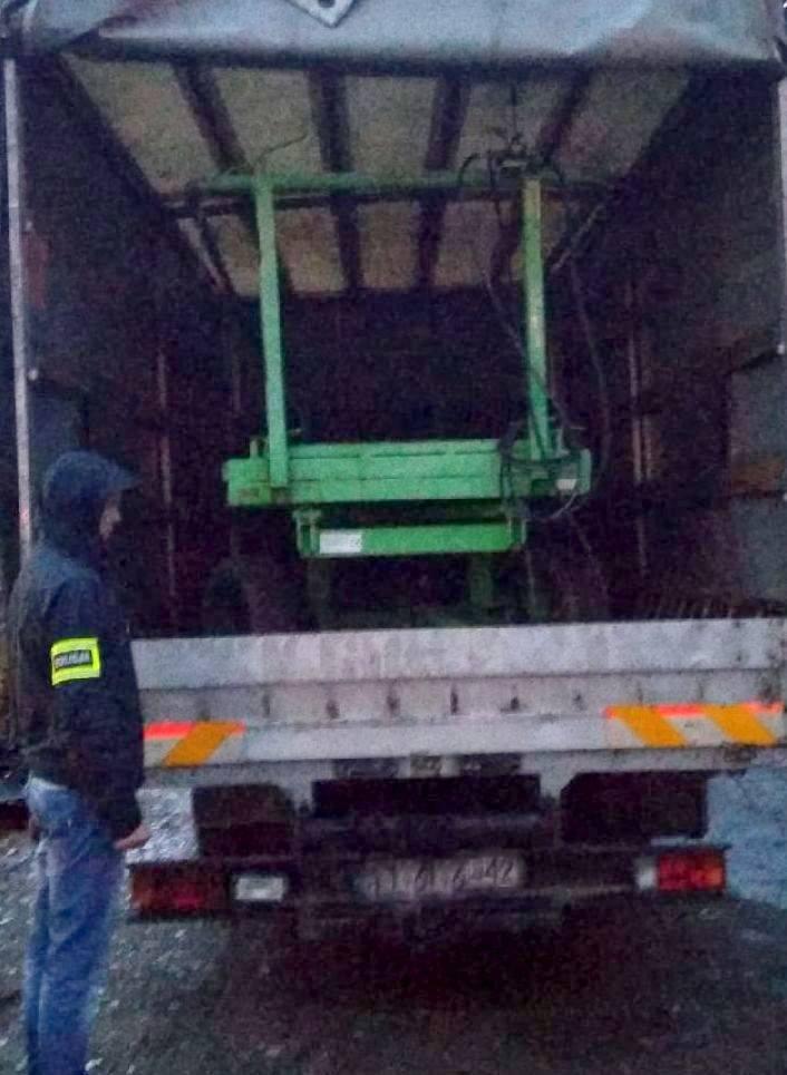 Rawscy i bialscy policjanci rozbili grupę osób okradającą rolników