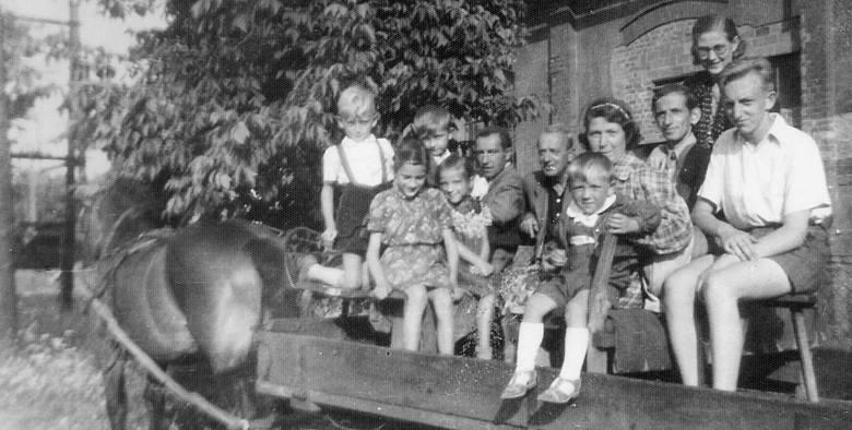 """""""Mieliśmy mało ziemi, więc trzeba było sobie radzić"""" - napisała Maria Szczodrowska z miejscowości Trzebiełuch (gmina Stolno w woj. kujawsko-pomorskim),"""