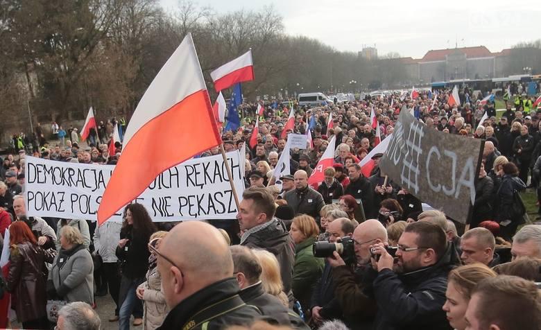 Manifestacje KOD-u w Szczecinie, Stargardzie, Kołobrzegu i Koszalinie