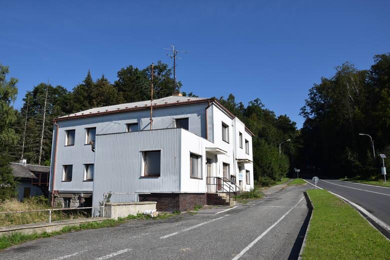 Budynek przejścia granicznego Mikulovice - Głuchołazy.