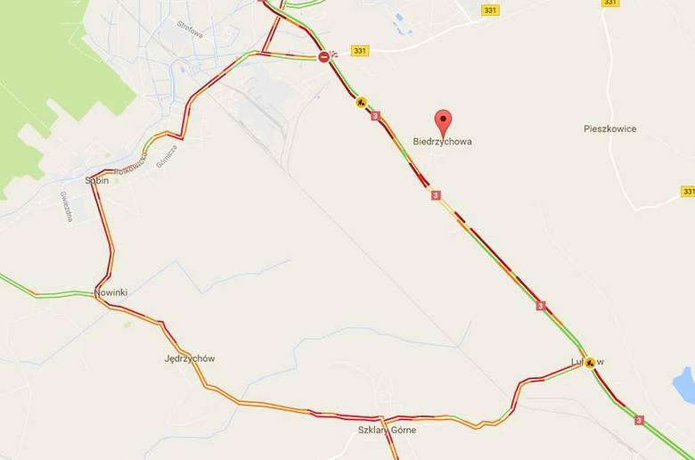 Wypadek 5 aut pod Polkowicami. Droga krajowa nr 3 zablokowana