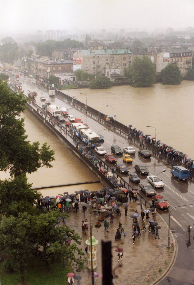 """Właśnie mija 20 lat od czasu, gdy przez Polskę przeszła """"Powódź Tysiąclecia"""". Drugi tydzień lipca w roku 1997 przebiegał w południowej"""