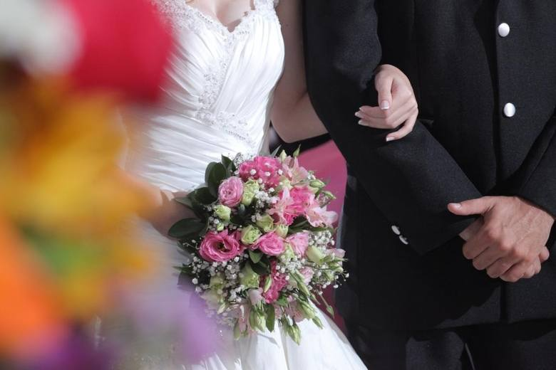 Ile kosztuje ślub w województwie podlaskim? [CENNIK]ZambrówParafia pod wezwaniem Świętego Ducha - 1460 złParafia pod wezwaniem Trójcy Przenajświętszej