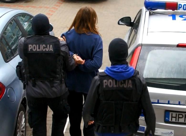 Kryminalni z Komendy Wojewódzkiej Policji w Białymstoku wspólnie z funkcjonariuszami Wydziału dw. z Przestępczością Przeciwko Mieniu białostockiej komendy