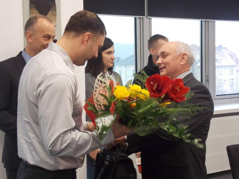 Wójt Santoka Stanisław Chudzik (Wawrów jest w tej gminie) podziękował za uchronienie gminy przed wielką tragedią.