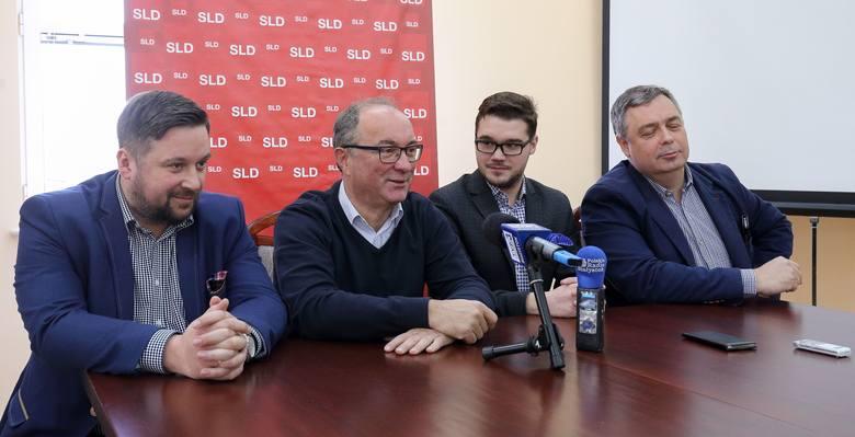Włodzimierz Czarzasty (drugi od lewej): SLD to polityczny trup? Tak mówią ci, którzy się tego trupa boją