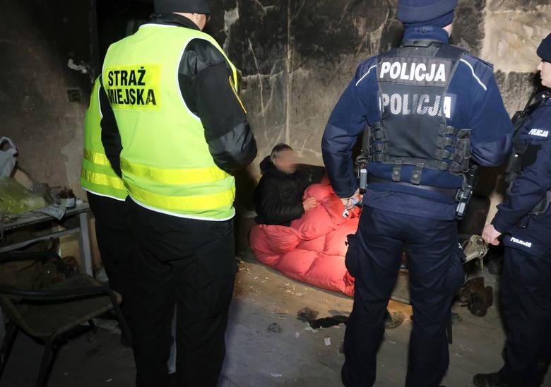 W nocy z 13 na 14 lutego odbyło się ogólnopolskie badanie liczby osób bezdomnych 2019. Takie działania zorganizowały także podkarpackie służby - m.in.