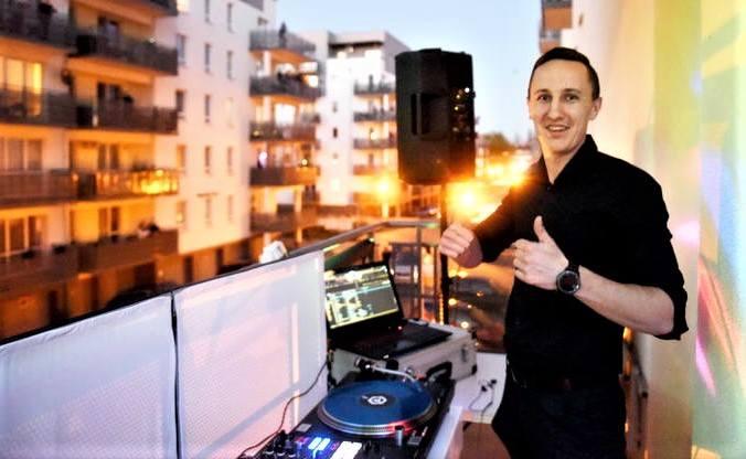 DJ Mateusz Przysuch zaprasza w piątek, 22 maja 2020 r. na trzecią Dyskotekę Balkonową w Zielonej Górze