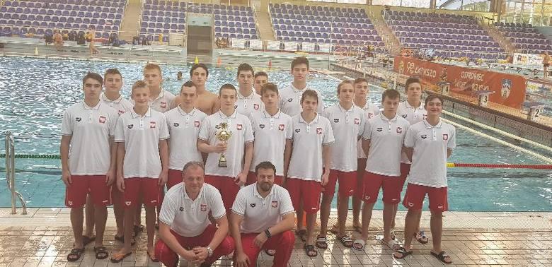W Ostrowcu Świętokrzyskim odbył się IX Międzynarodowy Turniej Mikołajkowy Waterpolo Juniorów (U-15). Zagrały drużyny: Polska, Mołdawia, Ukraina, Słowacja.