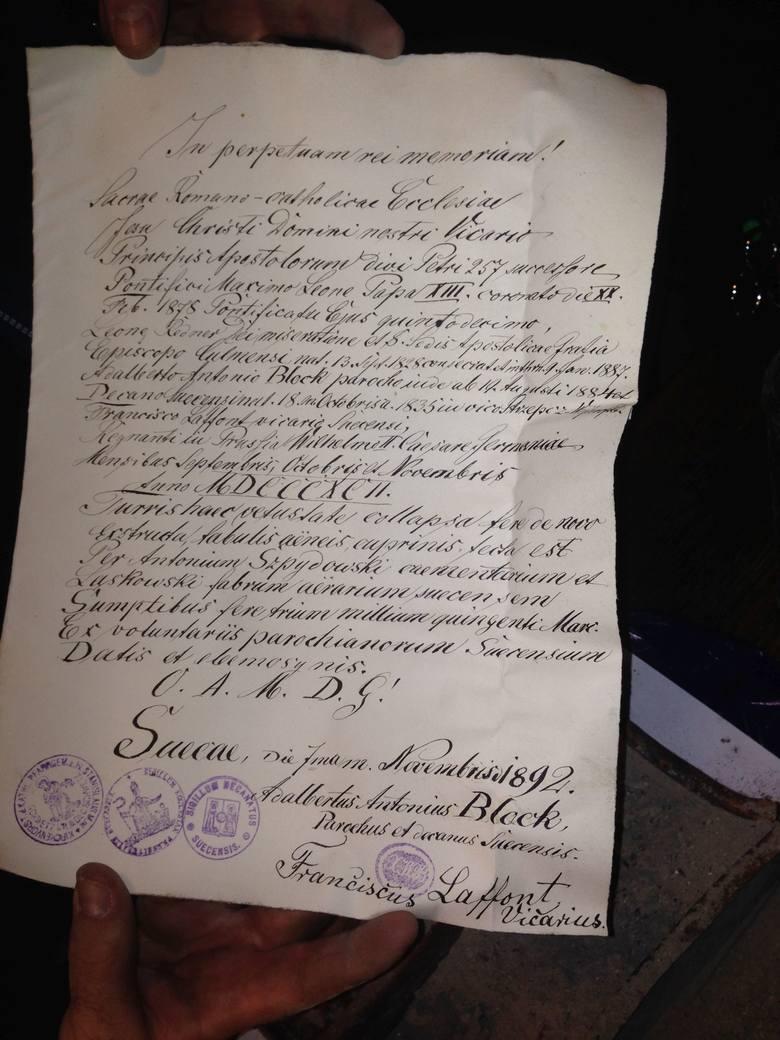 Całość została sfotografowana i udokumentowana, ponieważ list nie będzie wyłożony do wglądu parafian, lecz trafi na swoje miejsce.