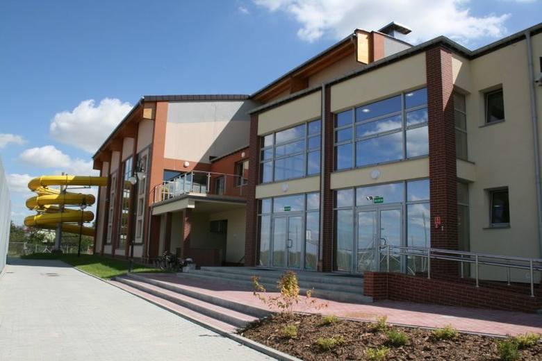 Tak wygląda kompleks sportowo - rehabilitacyjno - edukacyjny w Sędziszowie, który zbudował jędrzejowski Kartel SA, fot. archiwum