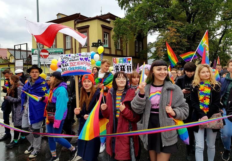 """Stary SączRada Miejska w Starym Sączu przyjęła poprawioną deklarację powstrzymania ideologii gender i """"LGBT"""" oraz obrony praw katolików 1 października"""