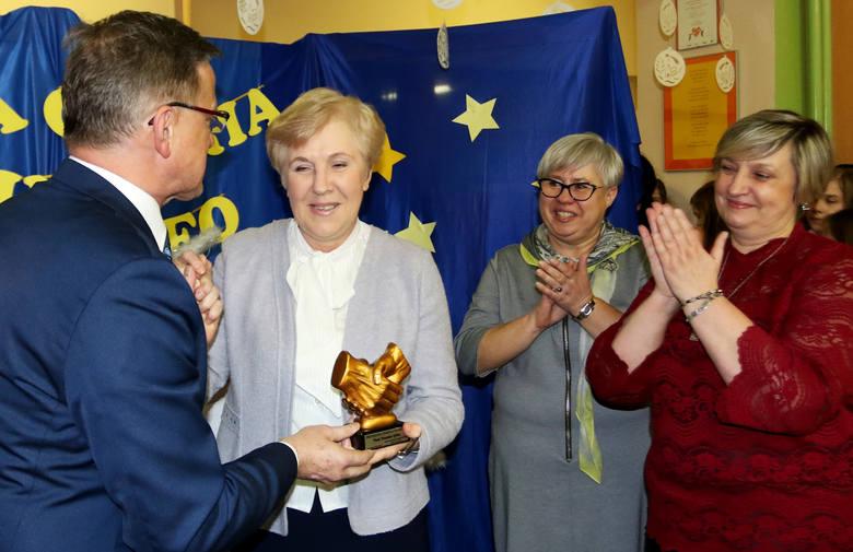 Nowy Sącz. W Falkowej uhonorowano przyjaciół i sympatyków tego osiedla