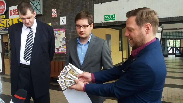 Około 600 mieszańców podpisało się pod petycją w sprawie modernizacji grudziądzkiego dworca PKP, którą grudziądzcy działacze Nowoczesnej wysłali do ministra