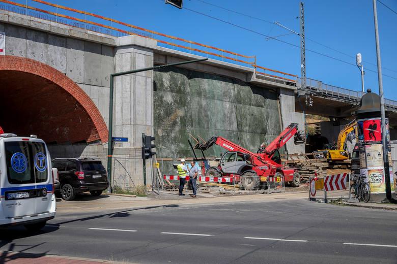 Znika ziemny nasyp kolejowy w centrum Krakowa