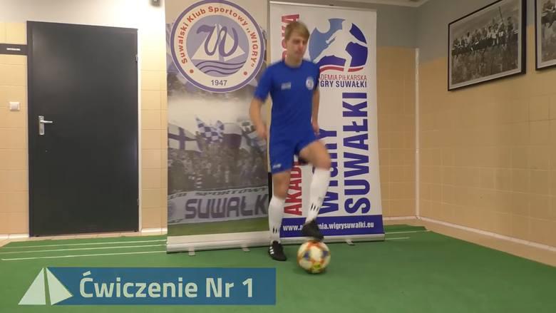 W domu nie ma nudy. Akademia Piłkarska Wigry Suwałki pokazuje jak ćwiczyć z piłką w domu. Zobacz i ćwicz