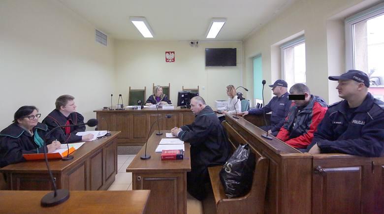 Wyrok ws. pijanego kierowcy, który zabił dziewczynkę w wypadku, zapadł we wtorek 19 grudnia w Sądzie Rejonowym w Brzezinach. CZYTAJ DALEJ >&a
