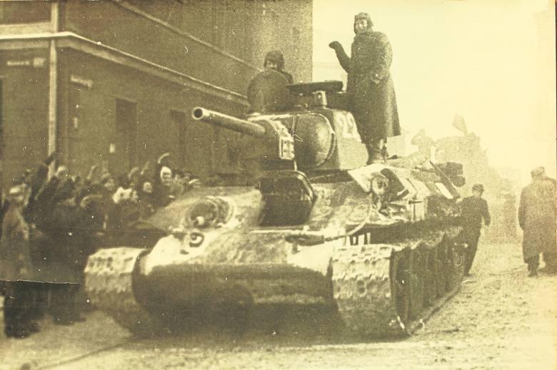 Czołg T-34/76 z 1. Brygady Pancernej.