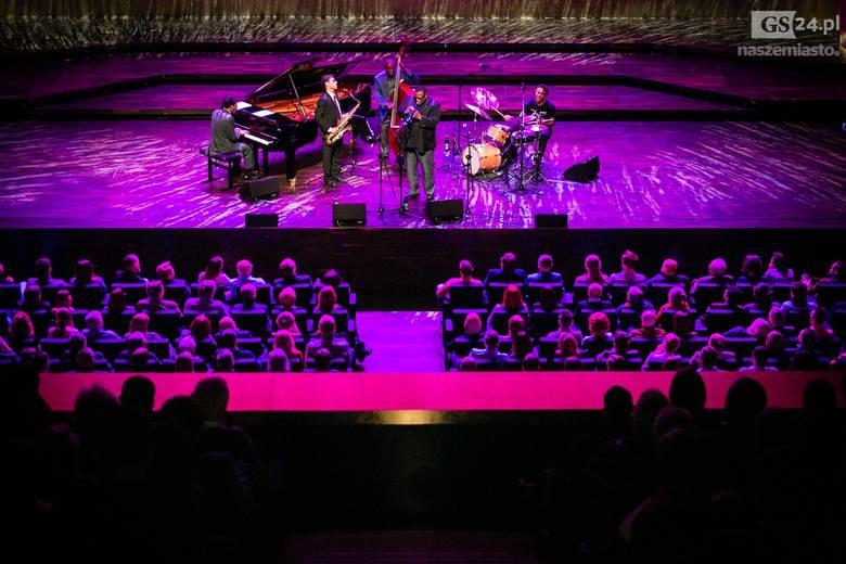 Trębacz jazzowy Wallace Rooney wystąpił w Filharmonii im. Karłowicza w przedostatnim koncercie festiwalu Szczecin Jazz. W kwietniu festiwal zakończy