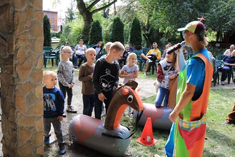 Zgodnie z uświęconą latami tradycją, ostatnią niedzielę sierpnia warto było spędzić w toruńskim zoo. Co roku dyrekcja ogrodu organizuje wielki festyn