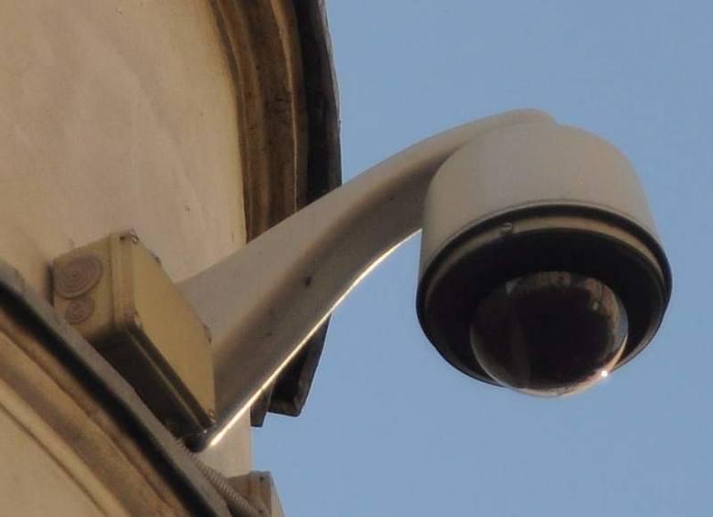 Dwie kamery mają pojawić się przy ul. Hutniczej w okolicy mostu żelaznego, dwie na wyspie Rehdanza, dwie na ul. Słowackiego i dwie na przy kompleksie