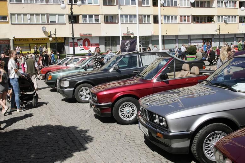 Jeśli Twój ojciec świetnie czuje się za kierownicą, uwielbia samochody i majsterkowanie w garażu, idealnym prezentem na Dzień Ojca będzie nowe narzędzie