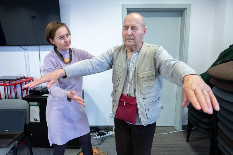 W Poznaniu leczą Alzheimera wirtualną rzeczywistością. Technologia VR sposobem na rehabilitację i ćwiczenie pamięci