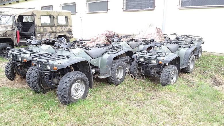 Wojsko sprzedaje sprzęt. Agencja Mienia Wojskowego organizuje przetarg w Bydgoszczy - LISTOPAD 2019 Pojazd czterokołowy Honda TRX 300 4X4SIlość: 2 sztNr