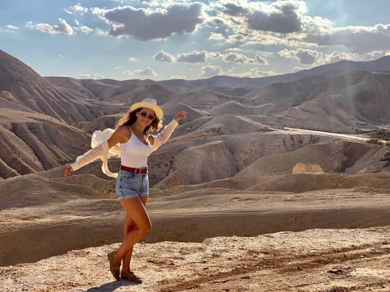"""Sandra Staniszewska-Herbich (w serialu """"Barwy Szczęścia"""" - Miriam Levin) na planie i poza nim w Izraelu – solo lub z aktorką Natalią Zambrzycką (gra"""