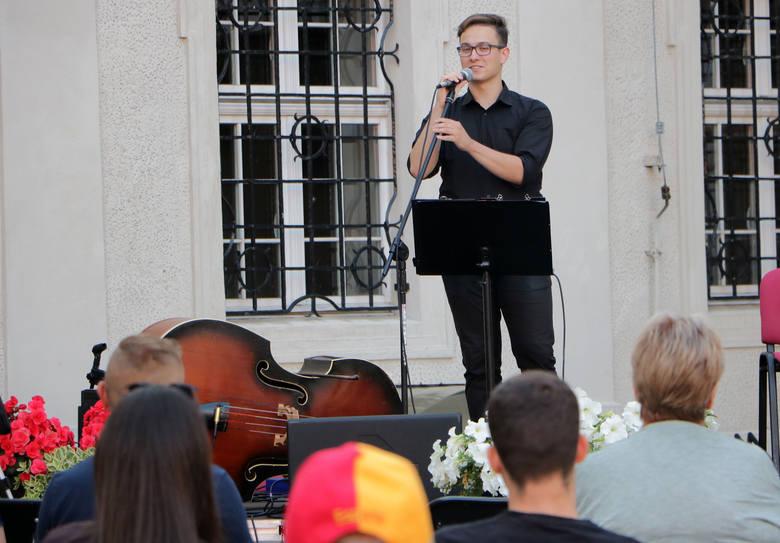 Na Grudziądzkie Wieczory Muzyczne zabrał mieszkańców Grudziądza utalentowany akordeonista, Paweł Wiśniewski. Artysta otrzymał stypendium artystyczne