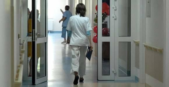 """Pielęgniarki boją się o pracę. """"Dyrektorzy będą oszczędzać na etatach"""""""