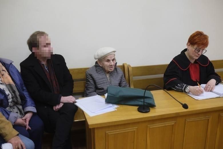 Sekret pieniędzy babci Jadzi i dziennikarki Celiny N. Polityków PiS teraz przy niej brak