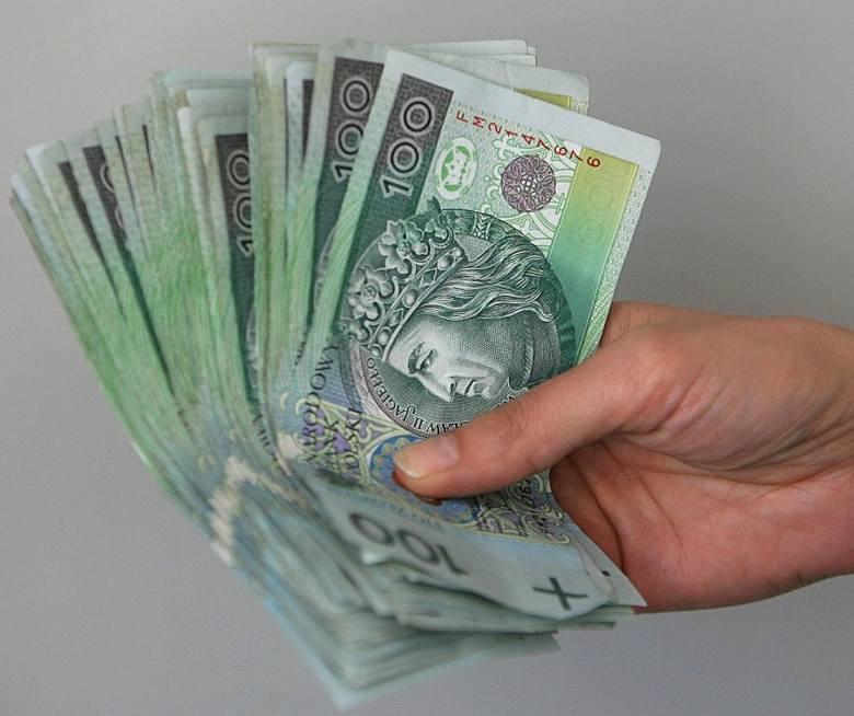 Dyrektor szkoły ponadgimnazjalnej może w naszym regionie zarobić 5500 złotych.