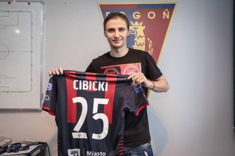 Paweł Cibicki grał dla młodzieżówki, ale nigdy nie grał w polskiej lidze