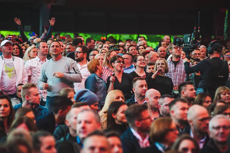 Polsat SuperHit Festiwal 2019 w Sopocie. Tak bawiła się publiczność podczas sobotniego koncertu w Operze Leśnej