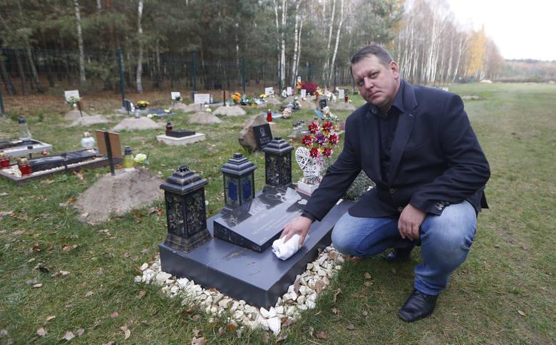 Tu można pochować ukochanego pupila. Na cmentarzu w Węgliskach na Podkarpaciu leżą nie tylko psy i koty, ale też chomiki czy króliki.WIĘCEJ: Cmentarz
