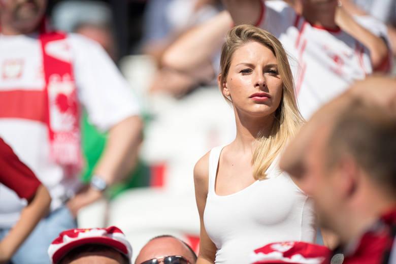 Piękne panie to nieodłączny element każdego widowiska piłkarskiego. Nie inaczej jest podczas Euro 2016. Obecność ślicznych kibicek na trybunach francuskiego