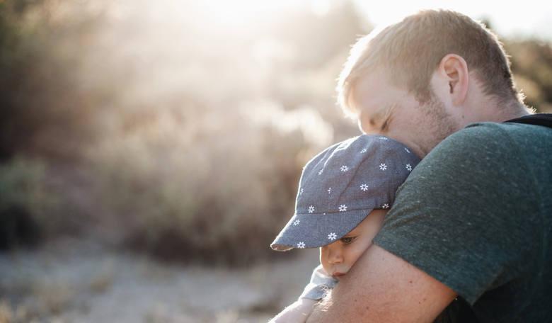 Ojciec świętuje, ale to nie on decyduje? Kilka słów o prawach ojców w Polsce