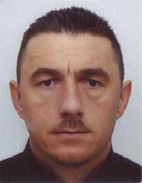 Zabił i obrabował swojego kolegę. Teraz jest jednym z najbardziej poszukiwanych toruńskich morderców. Mowa o 44-letnim Robercie Ringercie, który zadał