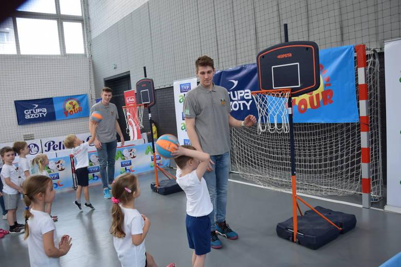 Przedszkoliada po raz pierwszy w Częstochowie. Impreza odbyła się w hali sportowej IV LO im. H. Sienkiewicza ZDJĘCIA