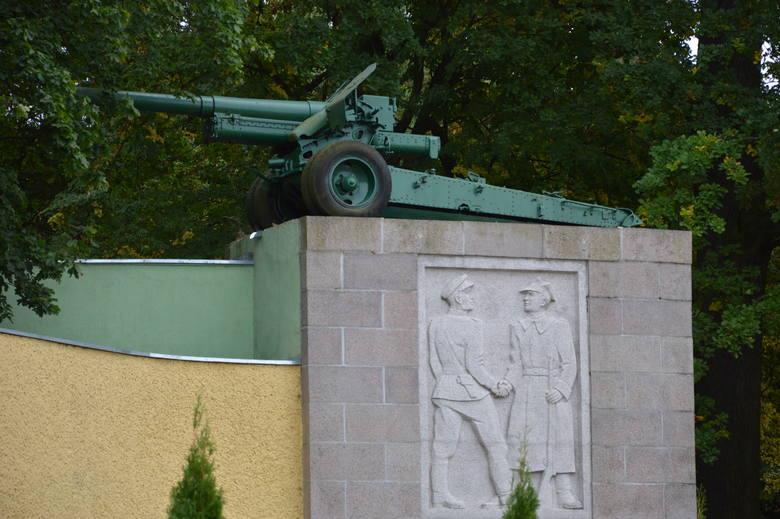 Ostatni Stalin w Polsce po cichu zniknął z tablicy na cmentarzu w Cybince