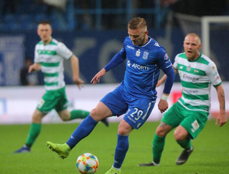 Po dwutygodniowej przerwie na mecze reprezentacyjne, rozgrywki wznawia PKO Ekstraklasa. W sobotę o 17.30 w Gdańsku Lech Poznań zmierzy się z Lechią.