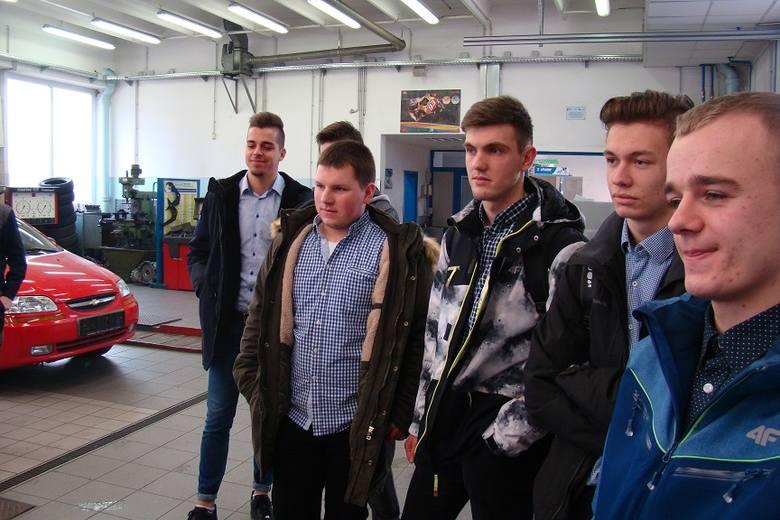 Czy staże zagraniczne są szansą dla uczniów szkół zawodowych?