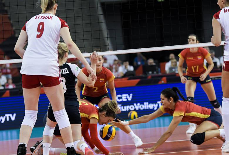 Siatkarki reprezentacji Polski i Niemiec nie miały większych problemów w dotarciu do fazy ćwierćfinałowej mistrzostw Europy