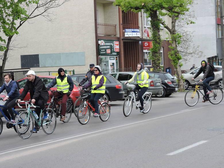 Ostrołęka. Majowy Rodzinny Rajd Rowerowy w Dniu Flagi Narodowej 2.05.2019