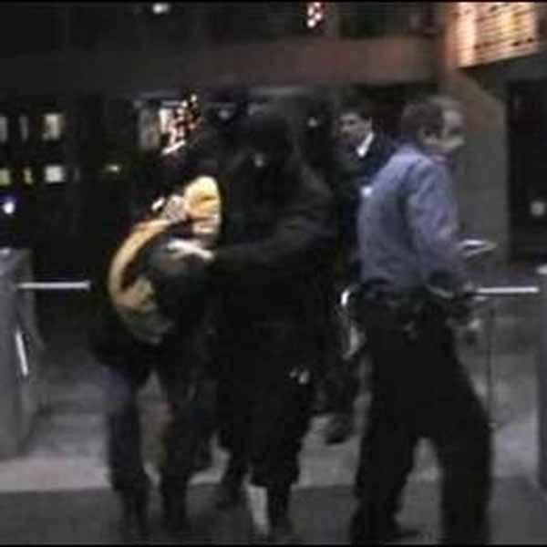 """W mieszkaniu zatrzymanego """"Iwana"""" znaleziono pistolety i wojskowy granat"""