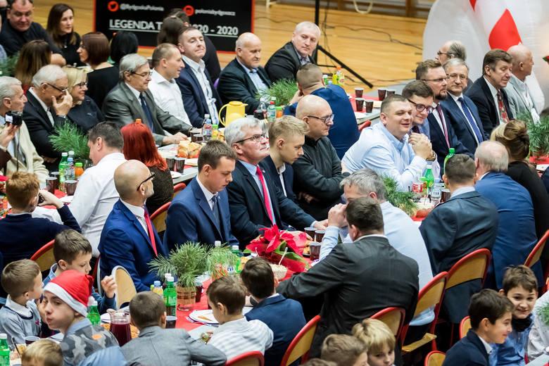 Pomysłodawcą i głównym organizatorem opłatkowego spotkania polonijnej braci był Marcin Matysiak, prezes Klubu Piłkarskiego Polonia Bydgoszcz. Przy wigilijnym