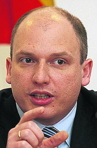 Kontrakt zamiast umowy i pensja prezesa rośnie nawet o 12 tys. zł